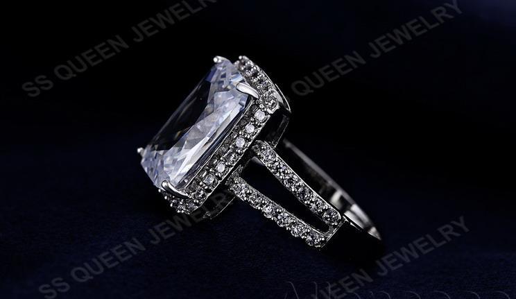 En kaliteli Platin Kaplama Mikro Kakma CZ elmas dikdörtgen yüzük kadınlar için büyük nişan Alyans