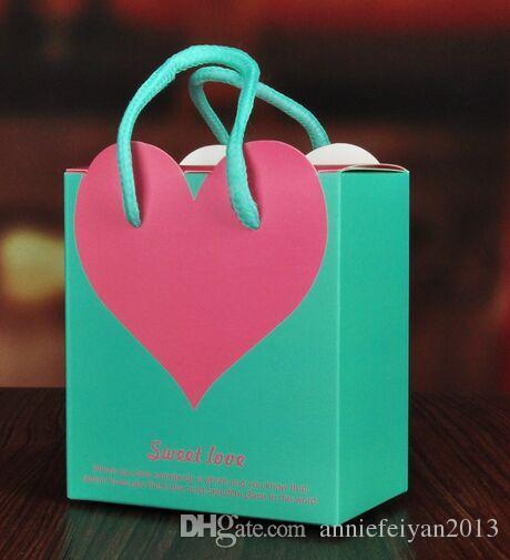 Promosyon 100 adet / grup Butik Renkli Kalp Düğün Hediyeleri Kutusu Şeker Kutusu Mücevher / Kuyumcu Kutusu Kasa Eşyalar Paketi Kutusu