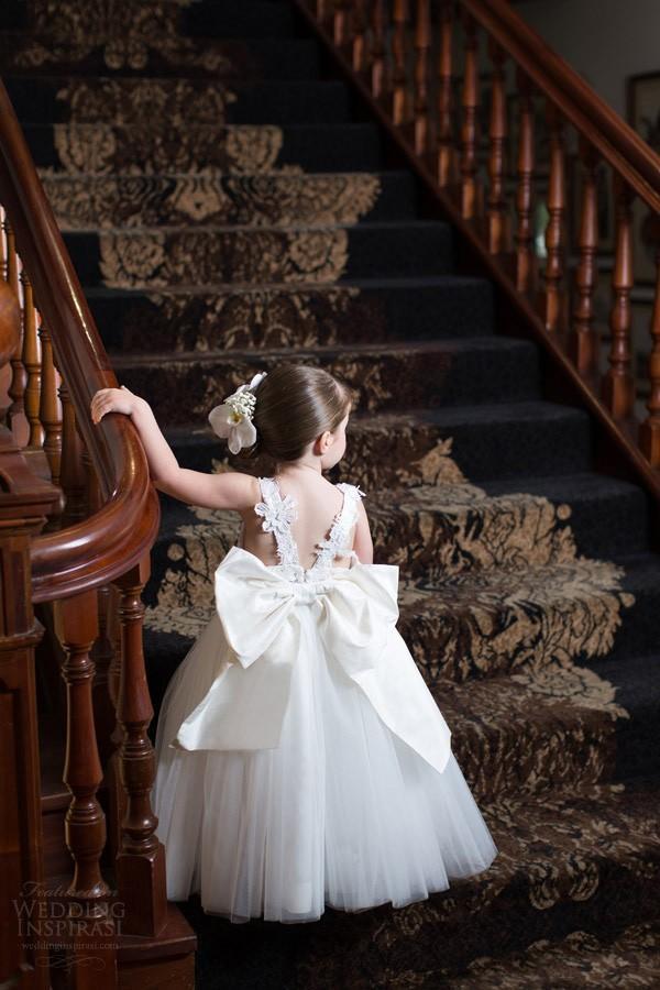 Belle fleur filles robes pour les mariages Little Girl dentelle Top dos ouvert Appliques Tenue Occasion spéciale Robes Oversize Bow