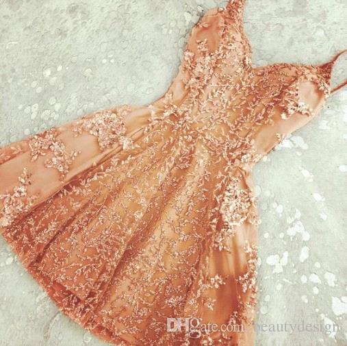 2018 plateado y encantador A-Line Crystal Short Homecoming Vestidos Nuevos apliques de encaje Mini correas espaguetis Vestido de cóctel barato Vestido de fiesta de verano