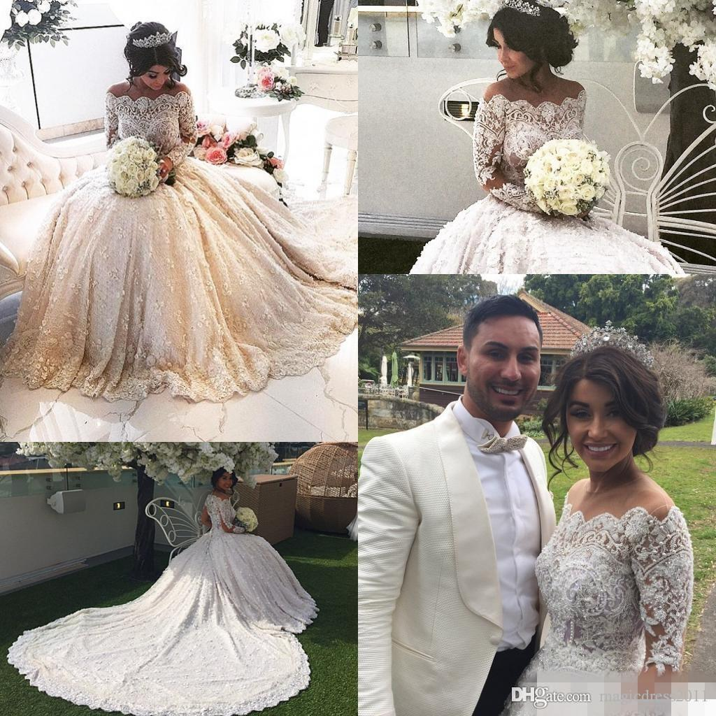 2019 New Princess Ball Gown Bröllopsklänningar Sheer Neck Långärmad Off-the-Shoulder Crystals Pearle Beaded Luxury Lace Bridal Gowns
