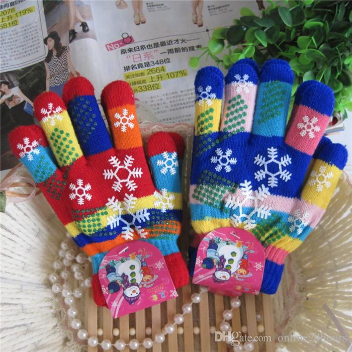 Autumn and winter kids thicken thermal yarn knitted gloves boy and girls snow print colorful gloves kids winter gloves Factory Wholesale