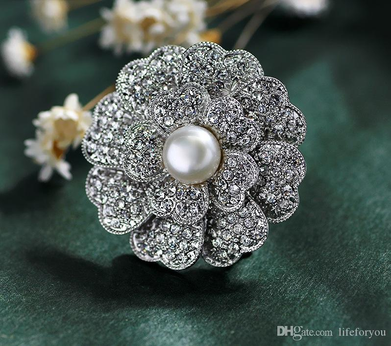 Vintage Pearl Rhinestone Flower Brooch Pin Silver-plate Alloy Faux Diament Broach for bridal wedding costume party dress Pin gift 2016