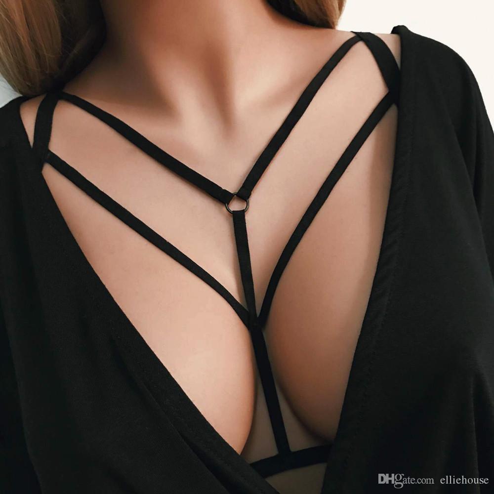 8438ba90d159e Compre Elliehouse Fashion Gothic Women Sexy Arnés Jaula Sujetador Halter  Elástico Jaula Sexy Sujetador De Tiras Bustier Correa Cuerpo Corto Negro A   2.95 ...