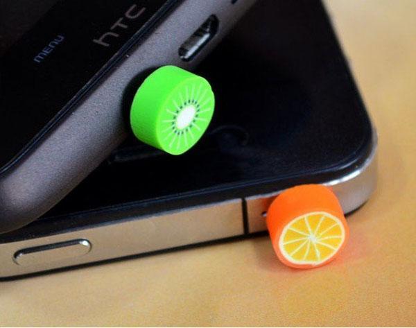 Toptan / cep telefonu ücretsiz nakliye için iphone ve 3.5mm kulaklık kapağı için Sevimli Meyve karşıtı toz fiş