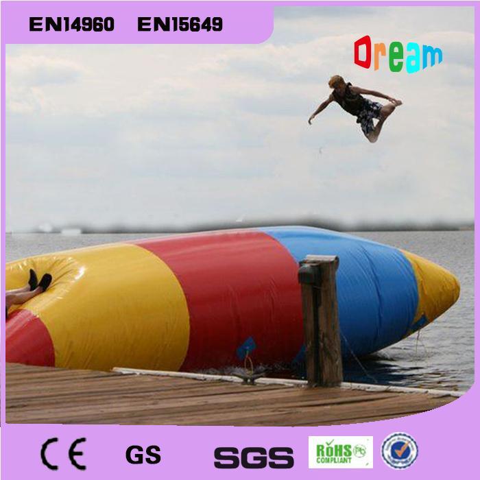 Jogos infláveis da água de 6 * 2m Catapulta da água Blob inflável Blob Jumping Water Blob Jump For Sale