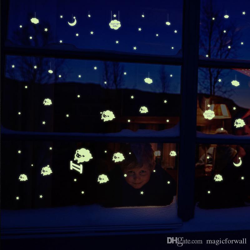 Resplandor en la oscuridad Pequeña Oveja Cupid Cosmic Meteor Shower Pegatinas de pared Luminoso Tatuajes de pared Ventana de vidrio Dormitorio Sala de estar Aplique de pared