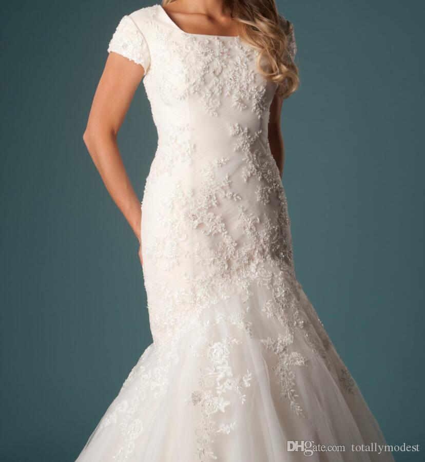 Elegante tule sereia vestidos de casamento modestos com mangas curtas frisada apliques de renda praça pescoço castelo vestidos de noiva vestido de noiva
