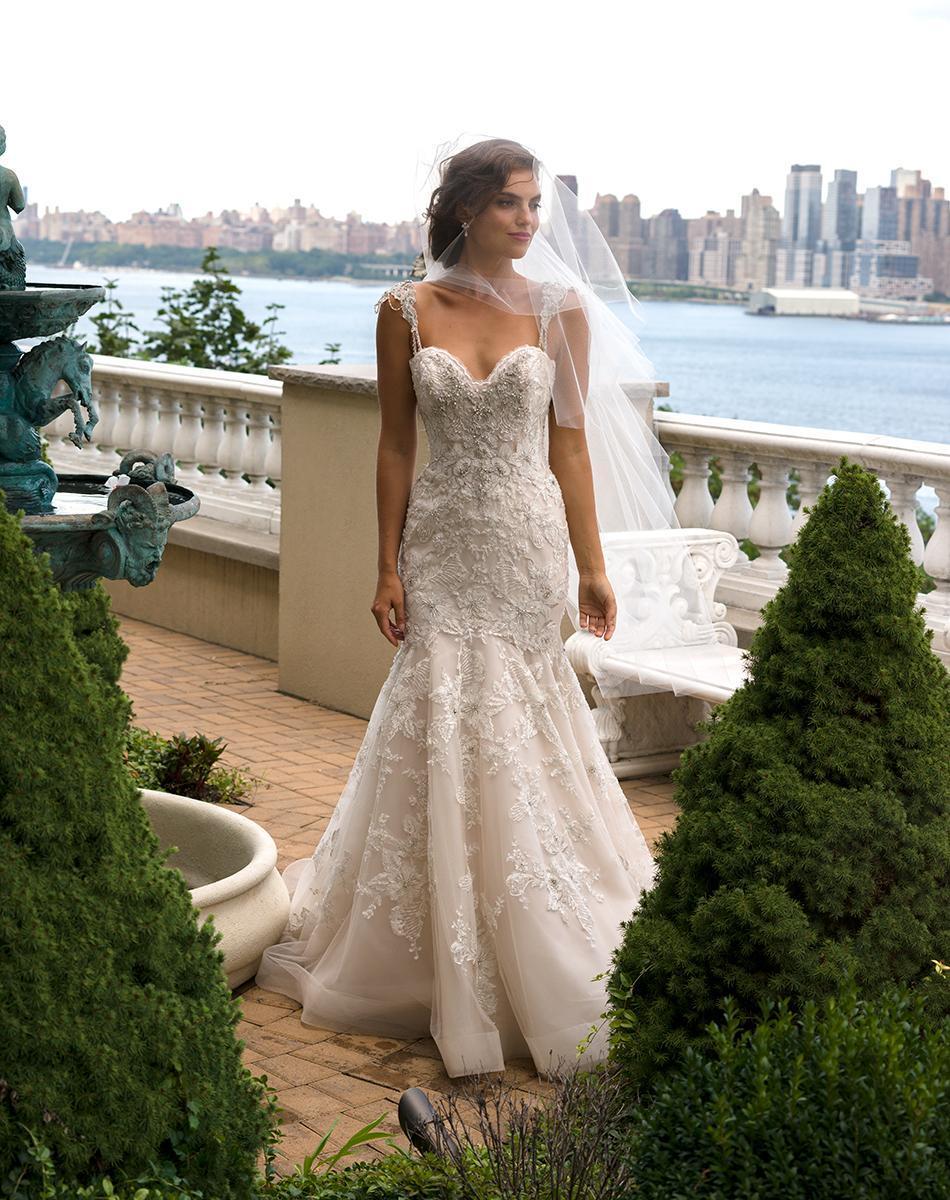 Coutume dentelle sirène robes de mariée Backless cristaux Cour Tulle train Eve Robes de mariée de Milady