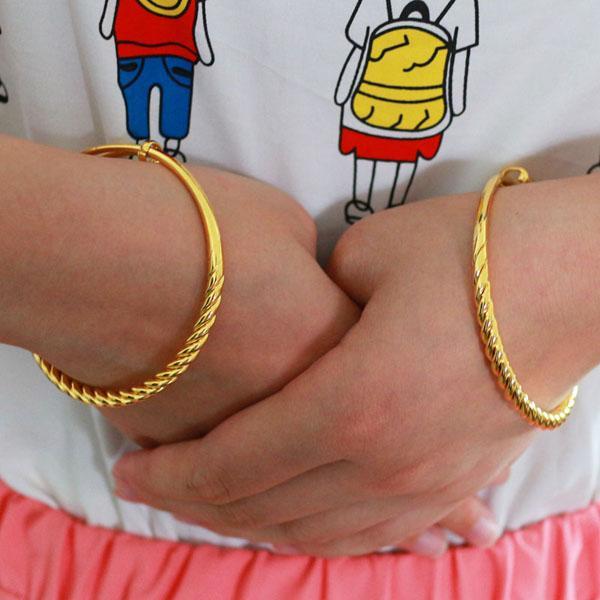 Nossas jóias pulseira de ouro mulheres push pull torção corda seção de contração linhas suave enviar mãe de jóias antigas