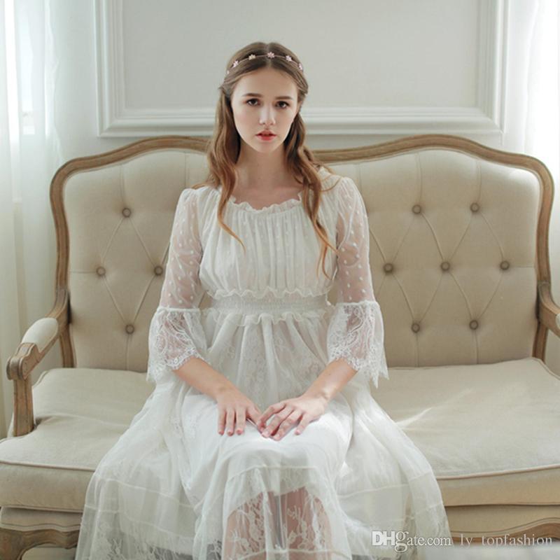 ed661dfc9 Compre Mulheres Sleepwear Vestido De Renda Camisola Lindo Elegante Sleepwear  Vestido De Princesa Para As Mulheres Da Dama De Honra Vestidos De Renda De  Alta ...