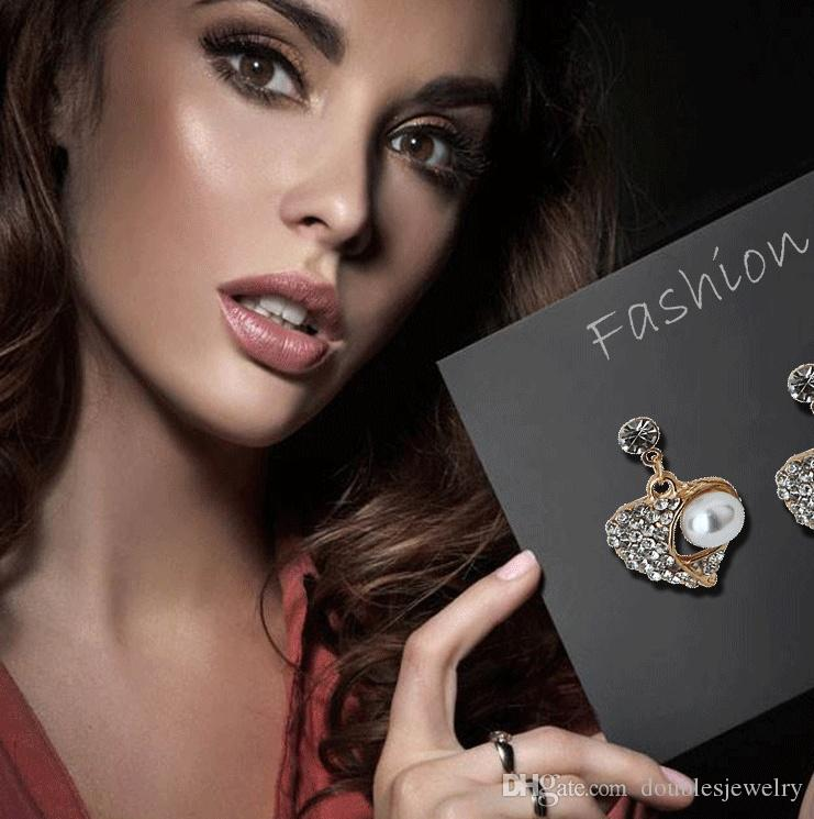2017 das ganze Netzwerk Explosion Pfirsich Perlen Schmuck Set Diamant-Schmuck-Set europäischen Stil Pullover Halskette Großhandel Hersteller