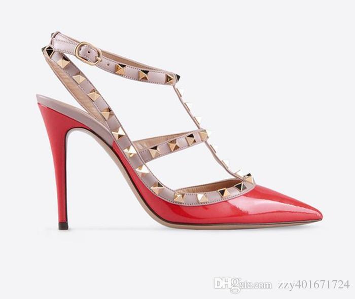 Designer Pointed Toe 2-Strap con tacos altos tacones de charol remaches Sandalias mujeres tachonado Strappy Dress zapatos San Valentín tacón alto Zapatos