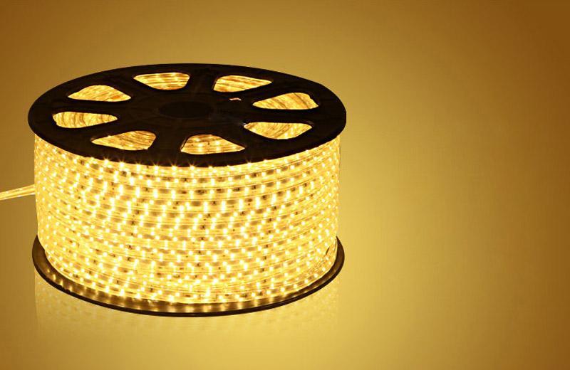 1メートルでカット可能な電源なしの電源なしの防水50メートル110V 220V AC SMD5050 LEDストリップライト60LES / M