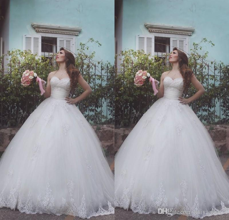 2016 Cheap Vintage A Line Wedding Dresses Sweetheart Lace Appliques Beaded Sweep Train Sleeveless Floor Length Formal Plus Size Bridal Gowns