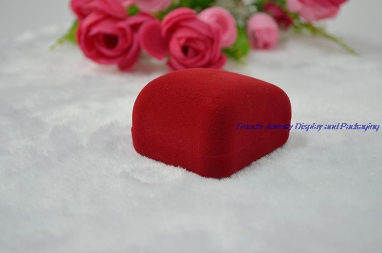 Wholesale Cheper Red Velvetジュエリーボックスリングボックスギフトボックススモールリングイヤリング収納ケース/ロット送料無料
