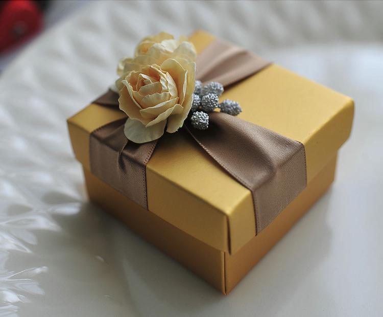 우아한 황금 사탕 골드 로즈와 리본 결혼 선물 파티 상자 새로운