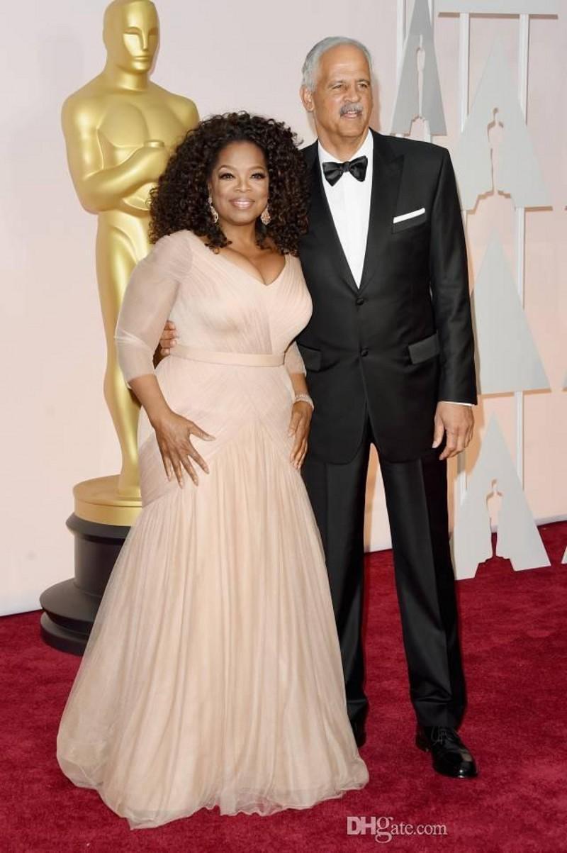 2019 New Günstige Oprah Winfrey Oscar Celebrity Kleider plus Größe V-Ausschnitt Mantel Tüll mit langen Ärmeln Sweep Train Drapierte Abendkleider 312