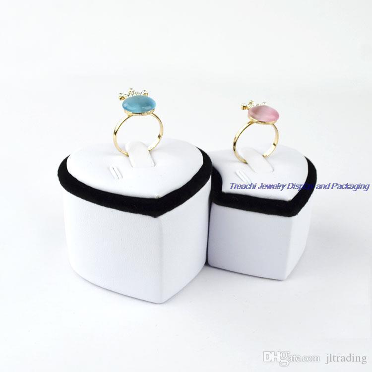Venta al por mayor 5 unids / set clásico en forma de corazón amantes de la joyería Ring Tower Duo-Ring Holder Stand para exhibición de la joyería