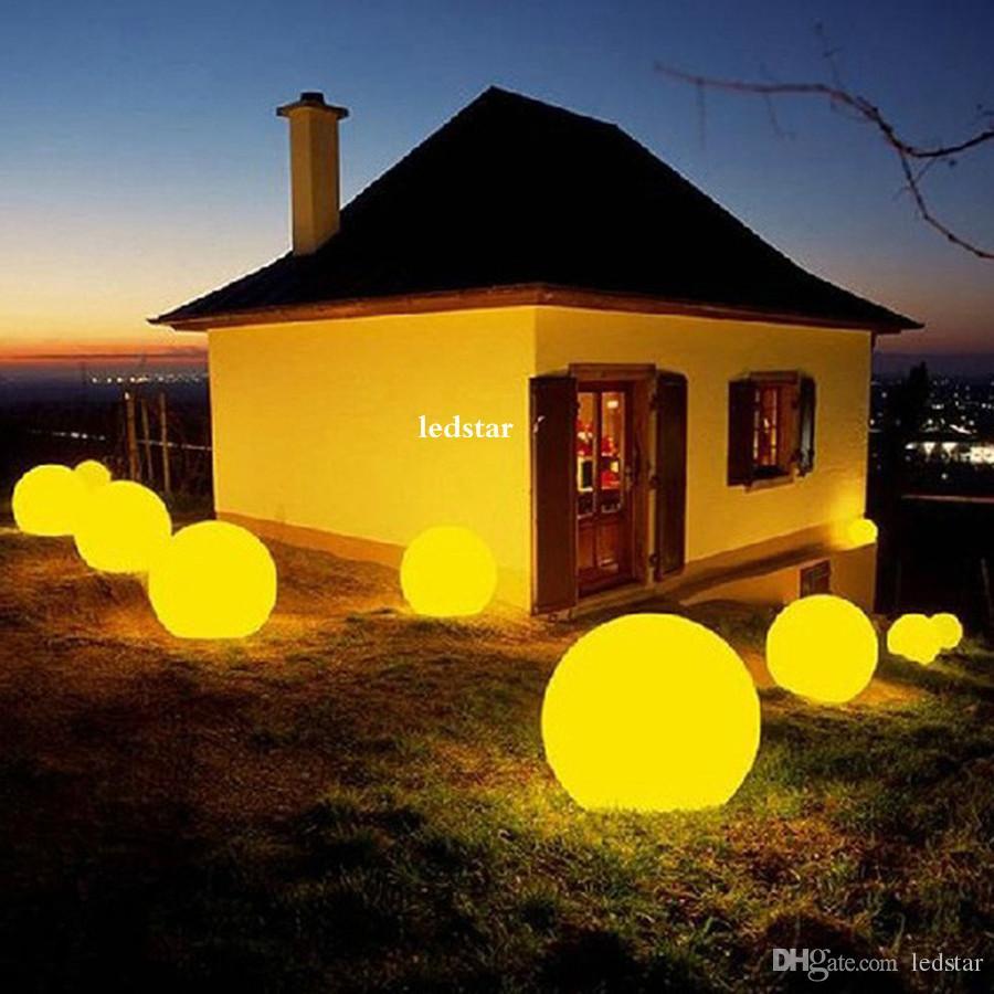 i RGB LED galleggiante palla magica a led illuminata palla da piscina IP68 Lampade da tavolo bar da esterno con telecomando
