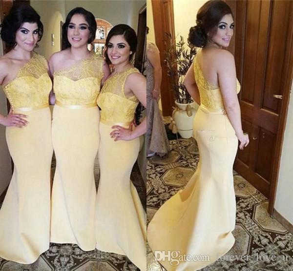 Stunning una spalla damigelle d'onore giallo-chiaro Mermaid Wedding Party cameriera d'onore abiti con merletto puro maniche Sash personalizzato