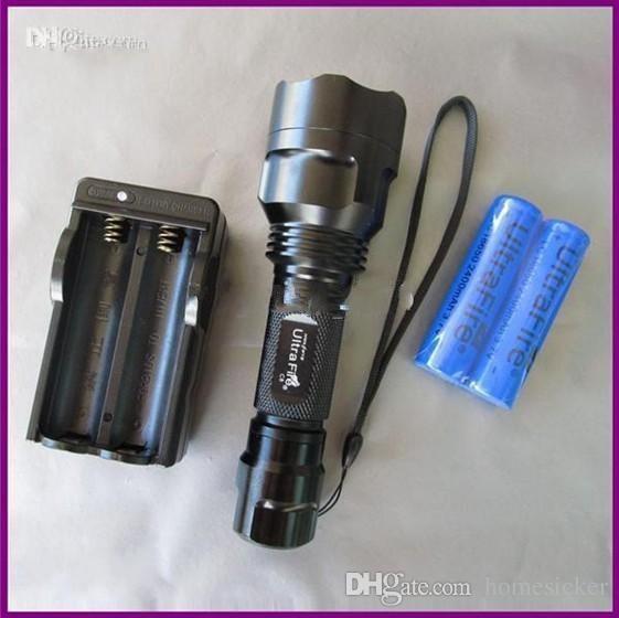 Vente en gros - UltraFire C8 T6 1300Lm CREE XM-L LED Lampe de poche ampoule projecteur C8T6 + 2x18650 batterie et chargeur