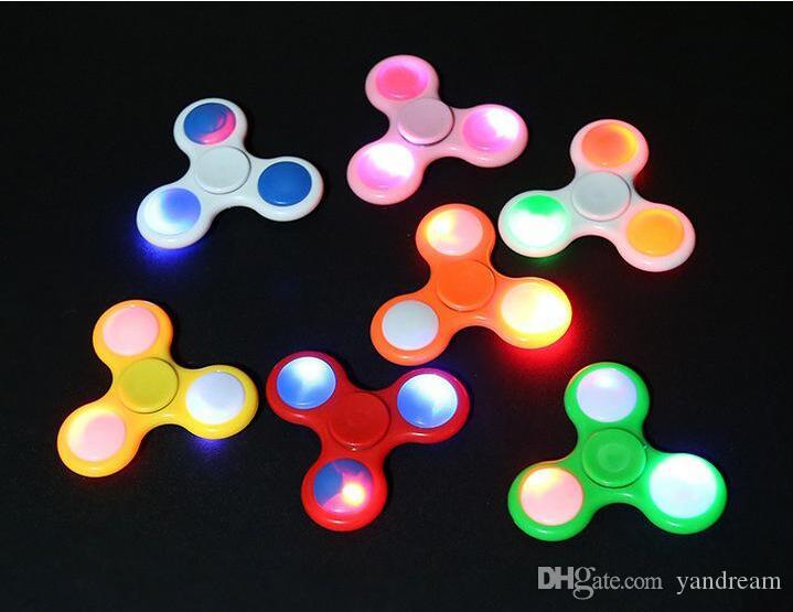 LED Light Up Hand Spinners Fidget Spinner Top Quality Triangle Finger Spinning Top Colorful Decompression Fingers Tip Tops Toys