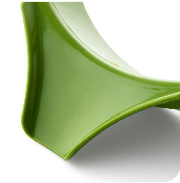 High Quality FDA Silicone Slip-On Pour Spout Pour Liquid, Soup, Oil From Bowls, Pans, Pots