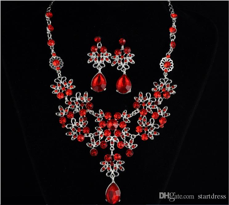 Set di gioielli da sposa con strass di lusso Fascino collane e orecchini da sposa collana placcata argento set accessori sposa signore