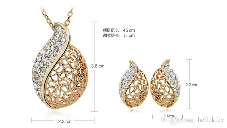 New Hollow-carved Love Leaf Pendant Necklace and Stud Jewelry Set
