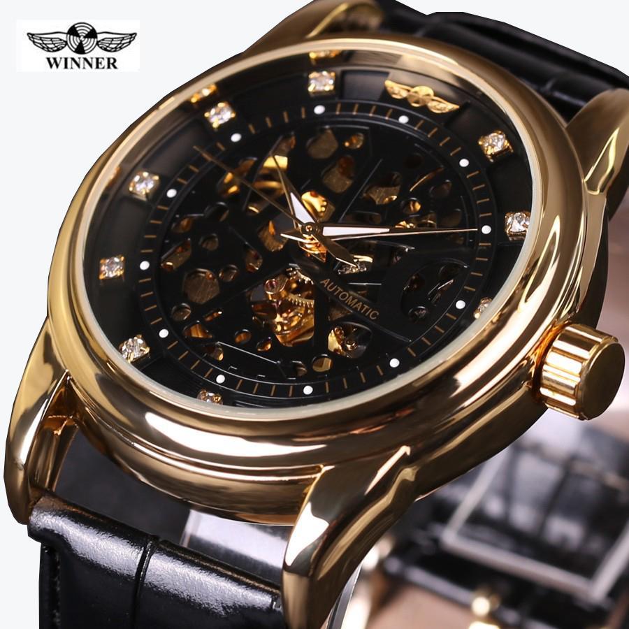 913003e8d85 Compre 2018 New WINNER Top Marca De Luxo Homens Relógio Automático Auto  Vento Esqueleto Assista Black Gold Diamond Dial Homens De Negócios Relógios  De Pulso ...
