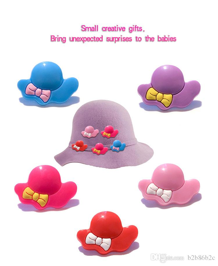 20+ Elegent Hat Girl Cute PVC Badges Brooch Button Clothes/Bag/Shoes Packed by Gift Bag Decor Kid Party Gift Accessory Badge