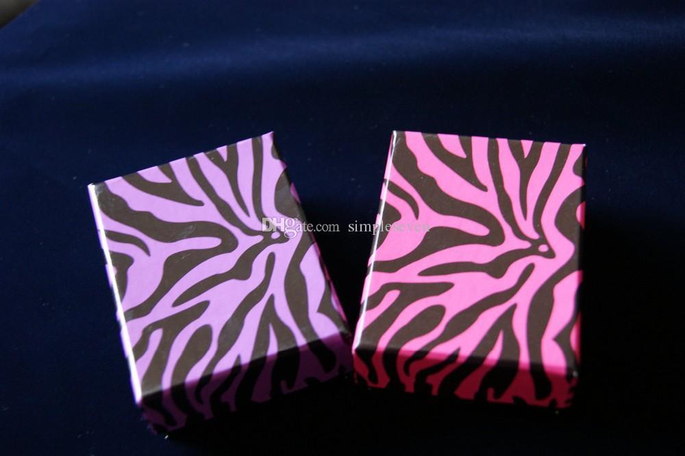 [Простая семерка] Розовая или фиолетовая шкатулка для драгоценностей / Кольцо для влюбленных в полоску зебры / 8.5 * 6.5 * 3.5cm Серьги-гвоздики Дисплей / Модный браслет