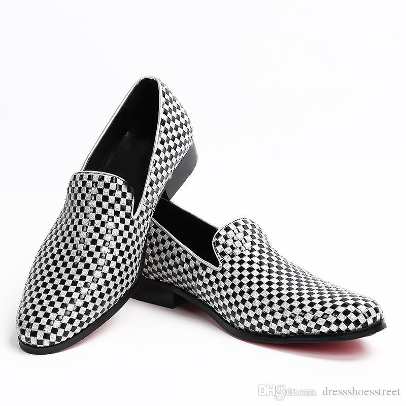 Scarpe fatte a mano degli appartamenti degli uomini con pattini di banchetto Men Dress in bianco e nero Plaid partito e degli uomini dei fannulloni