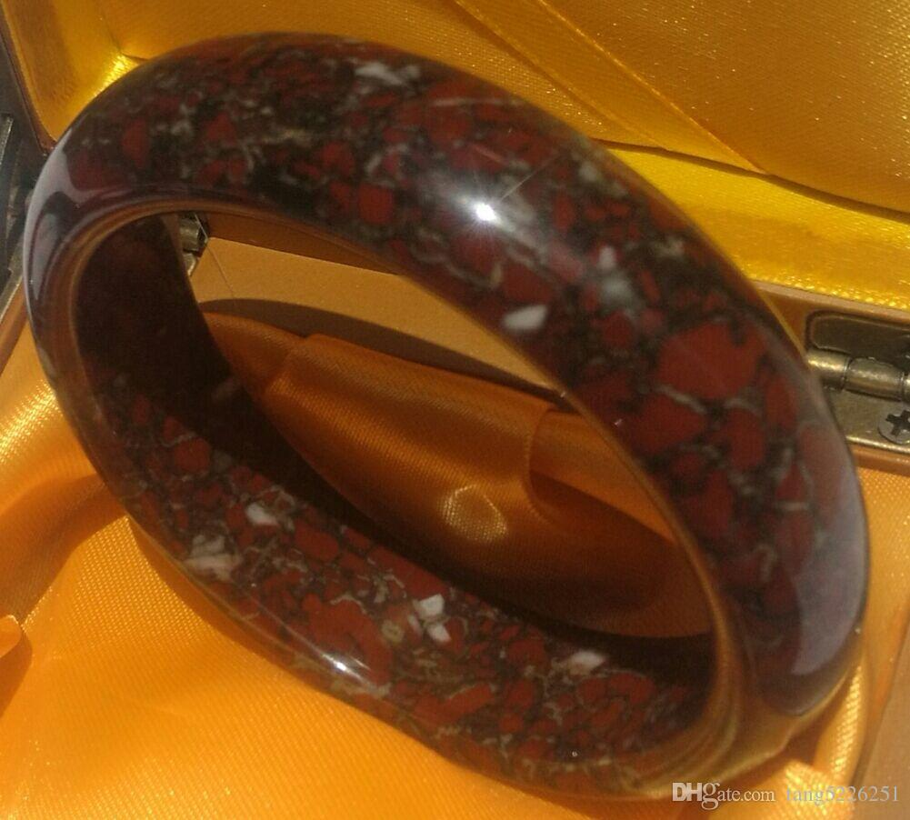 Bracelets Royal China jade, Mohs hardness of 6, contains only copper and iron useful substances. Bracelet No. C29 with an inner diameter of