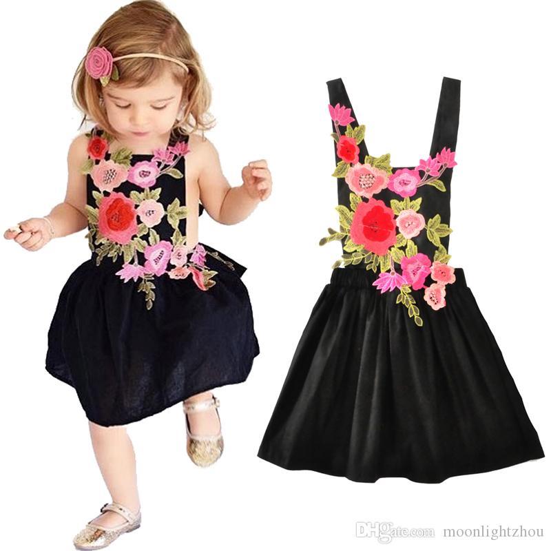a82231c45 Compre Princesa Vestido De Niña De Flores Verano Nuevo 2017 Flor De Moda  Sin Mangas Vestidos De Fiesta Infantil Para Niñas Ropa Trajes Traje De  Niños 12M 5T ...