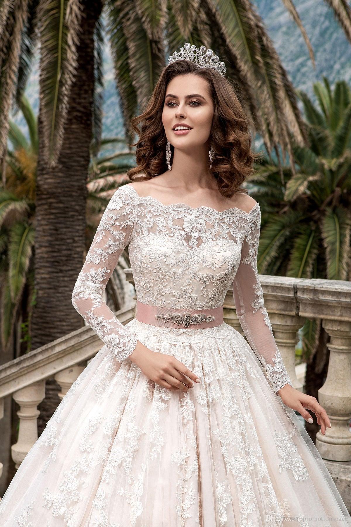 2018 Abiti da sposa in pizzo a maniche lunghe mozzafiato Vestidos De Noiva Abito da sposa in abito da ballo Pricess Custom Made Abiti da sposa vintage