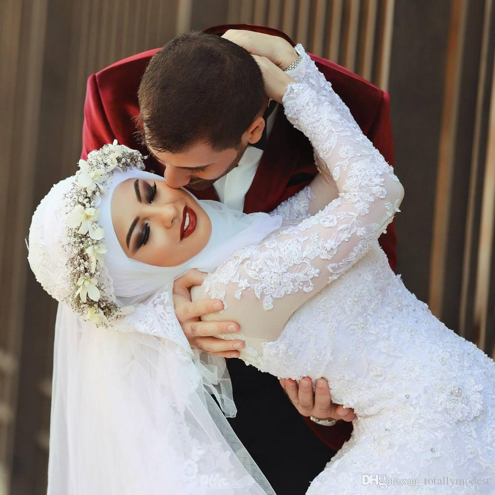 Arab Saudi Arabia Long Sleeves Modest Muslim Wedding Dresses Lace Beads Over Skirt Mermaid Bridal Gowns With Sleeves Detachable Train Dubai