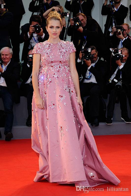 BlingBling Teresa Palmer Vestidos de maternidad Vestidos de fiesta de color rosa Vestidos con cuentas de diamantes de imitación de cristal Vestidos de fiesta para embarazadas 73ª Película de Venecia