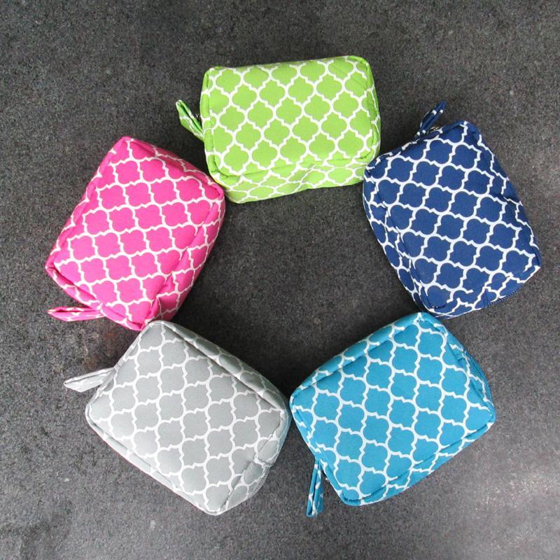 Mini borsa cosmetica quadrifoglio borsa cosmetica borsa da viaggio Custodia da viaggio quadrifoglio design borse cosmetiche con vari colori disponibili DOMIL106069