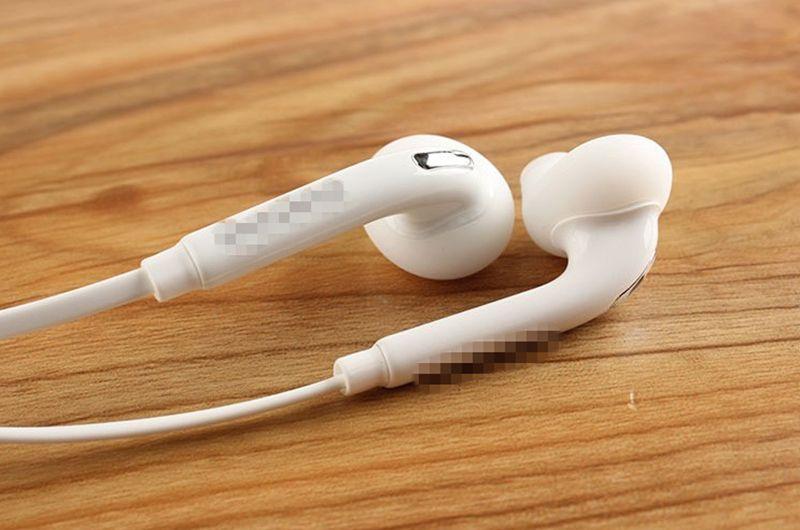 S6 Kulaklık Kenar Kulaklıklar Kulaklık Kulakiçi Jack Mikrofon ve Ses Kontrolü ile Samsung Galaxy S6 S5 S4 Siyah Beyaz Renkler telefon