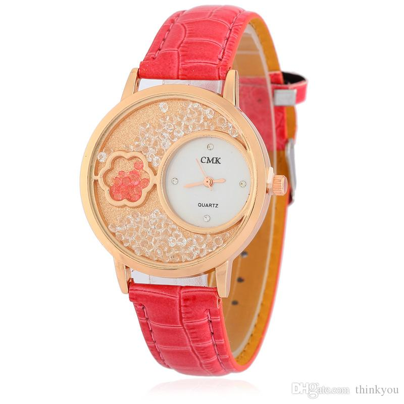 Brand New Fashion Woman Watch Round Dial Solid Color Crystal Watch PU Leather Band Fashion Luxury Watch For Woman