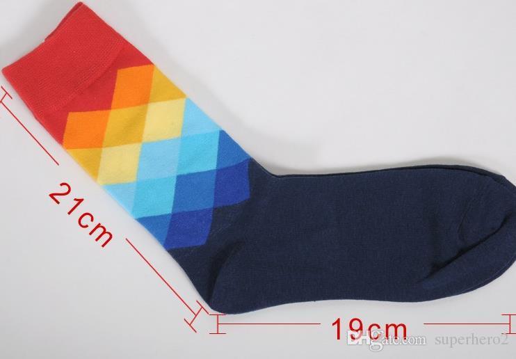 Art- und Weisesocken-Männer Frauen-beiläufiges Kleidbaumwollstrumpf-Steigung-Farben-Strumpfwarenfußballkorbkugel sports Sockenunterwäsche Weihnachtsgeschenk