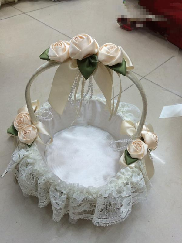 2016 New Perfect Baskets ! White/Pink Wedding Flower Baskets With Rose ,lace and crystal tassels Petal basket