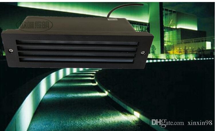 Les fabricants qui vendent 7W Blanc chaud / blanc pur / froid Lumière blanche échelle de direction de la lumière de la lampe de quinquets mur LED lampes LED souterrain