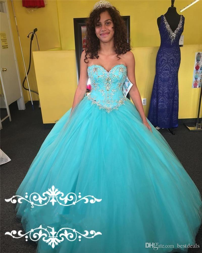 Hot Sweetheart Quinceanera Dresses 2017 Ball Gown Tulle Lace Up Long Crystal Beaded Sweet 16 Girls Formal Occasion Party Dress