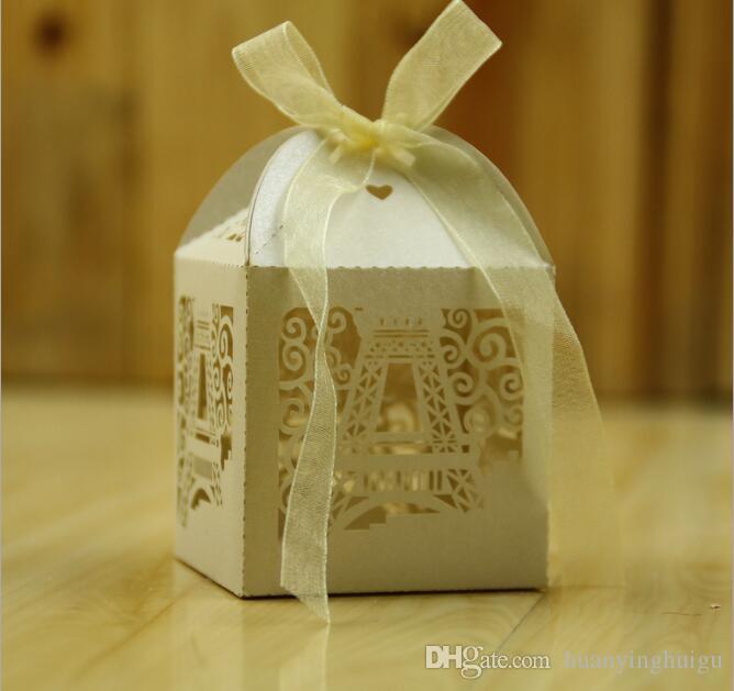 2017 Romantique Tour Eiffel De Mariage Cadeau Boîte élégant De Luxe Décoration Laser Coupe Partie Doux Faveurs Invité Cadeau De Mariage Papier