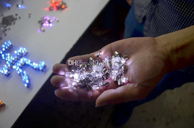 Рождественская вечеринка загораются CZ Кристалл серьги мужчины женщины дети танцевальный клуб LED световой Стад Флэш серьги праздничное событие реквизит подарок