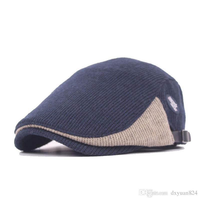 a31af2052159 Recién venta otoño e invierno de punto de ganchillo adulto boina vendedor  de periódicos sombrero hebilla ajustable duradero cálido cómodo Boina ...