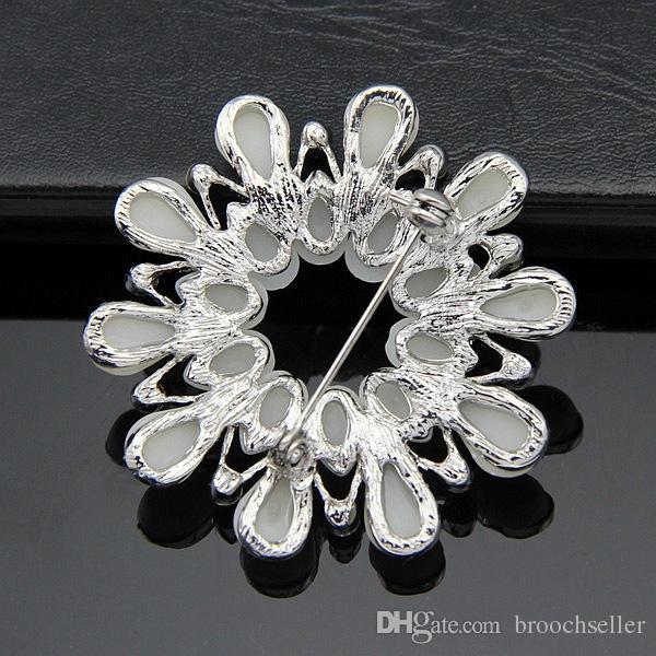 2 Inch Rhodium Silver Tone Tear Shaped Cream Pearl Wreath Brooch